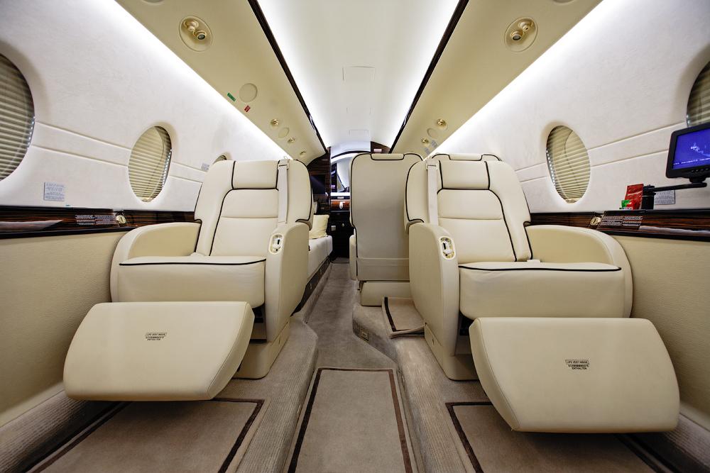 Интерьер самолета Gulfstream
